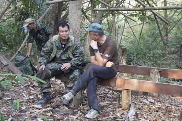 Il colonnello Nerdah Mya e Claudio